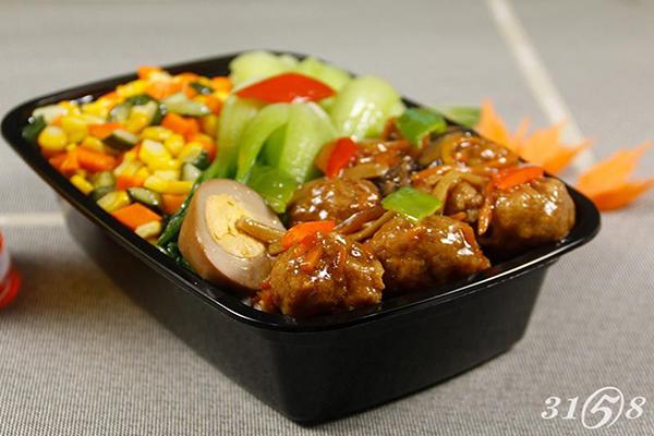 卤肉饭加盟店迅速占领市场 卤巴佬如何顺应趋势